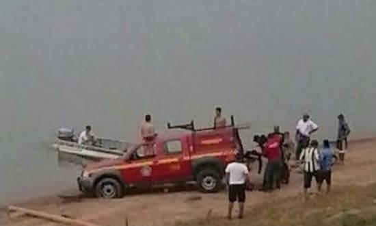 Helicóptero com três pessoas caiu em represa de Furnas