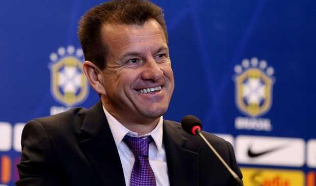 Seleção brasileira - Dunga diz que portas da seleção não estão fechadas para Maicon