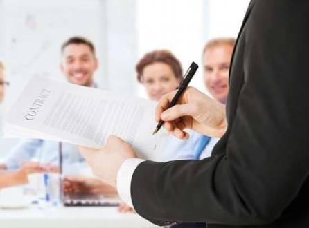 Por meio de um contrato, é possível estabelecer normas para a nova geração que vai assumir os negócios, limitando a entrada de herdeiros e a fatia de lucro retirada da empresa