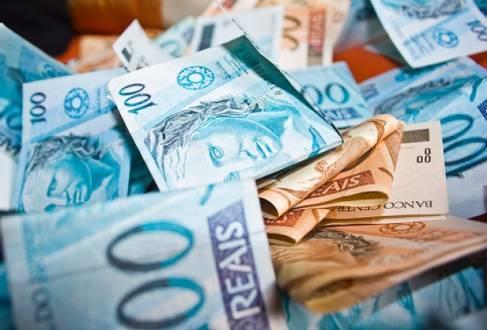 O comprometimento da renda dos brasileiros ficou em 21,84% em julho