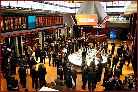 O Ibovespa, principal índice da Bolsa brasileira, caiu 0,93%, a 54.115 pontos; a Bolsa brasileira registrou o segundo dia de baixa e o pior mês desde maio de 2012