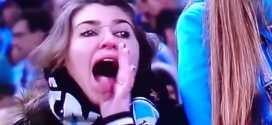 """Após sofrer ameças de morte e também de estupro, a torcedora gremista Patrícia Moreira, flagrada pelas câmeras dos canais ESPN chamando o goleiro Aranha, do Santos, de """"macaco"""", teve sua casa incendiada nesta sexta-feira."""