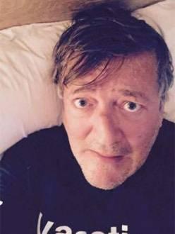 Stephen Fry também fez uma cara engraçada