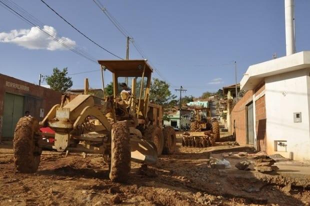 Montes Claros - Asfalto e Drenagem chegam ao bairro Bela Vista