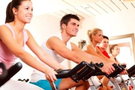 Saúde - Estudo mostra que homens praticam mais atividade física que mulheres