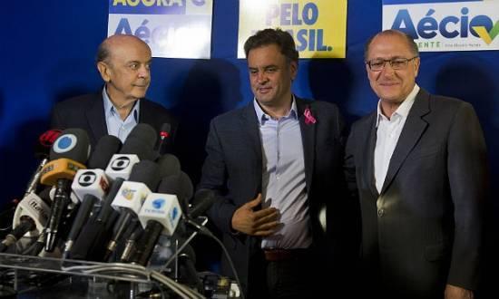 """Em São Paulo, berço do PT e reduto político do PSDB, Dilma foi """"atropelada"""" por Aécio Neves (PSDB)"""