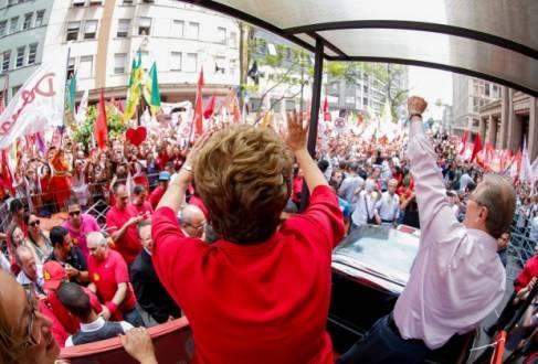 Eleições 2014 - Dilma participa de caminhada em Porto Alegre ao lado de Tarso Genro