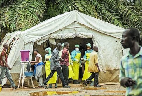 África - Ebola já deixou pelo menos 3.700 crianças órfãs, diz Unicef