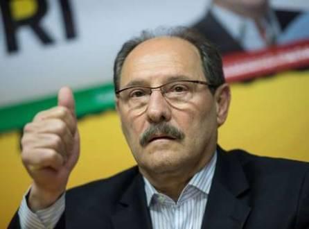 Coligado com o PSB na eleição estadual, no primeiro turno José Ivo Sartori (PMDB) apoiou Eduardo Campos e depois Marina Silva na eleição nacional