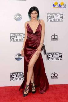 8-looks-american-music-awards-kylie-jenner (jornalmontesclaros)