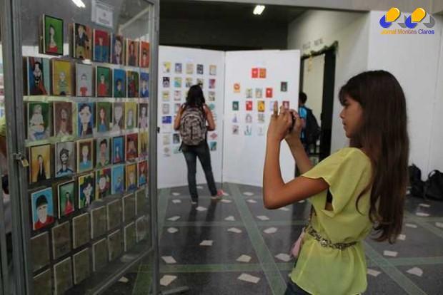 Exposição de arte movimenta hall da Prefeitura de Montes Claros até sexta-feira