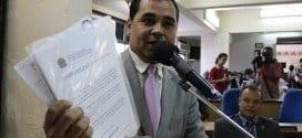 Vereador Fábio Neves apresentou laudo do MP que comprova a contaminação de córregos na Cidade