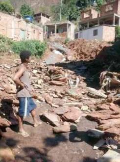 MG - Primeiros temporais causam estragos em Minas Gerais