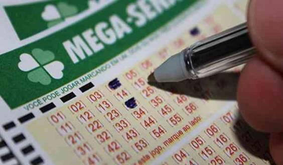 Mega-Sena acumula e pode pagar R$ 45 milhões no sábado