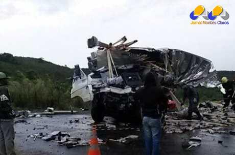 Batida entre caminhões deixa dois mortos na BR-354, em Formiga