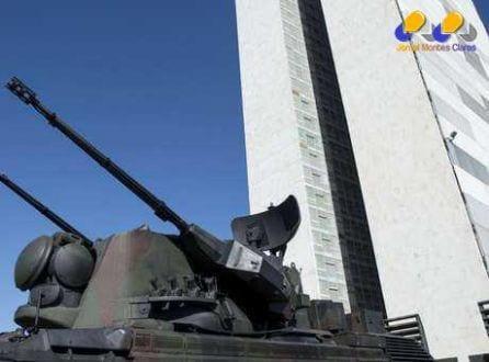 Exército Brasileiro em cerimônia de troca da bandeira em Brasília. 03/08/2014