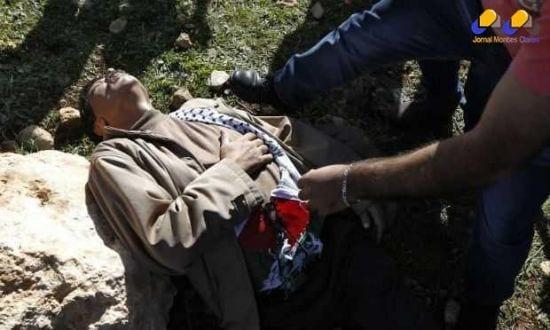 Abu Ein foi atingido e levado às pressas em uma ambulância, mas não resistiu