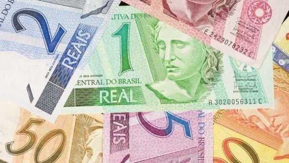 Aumento de R$ 64 do salário mínimo