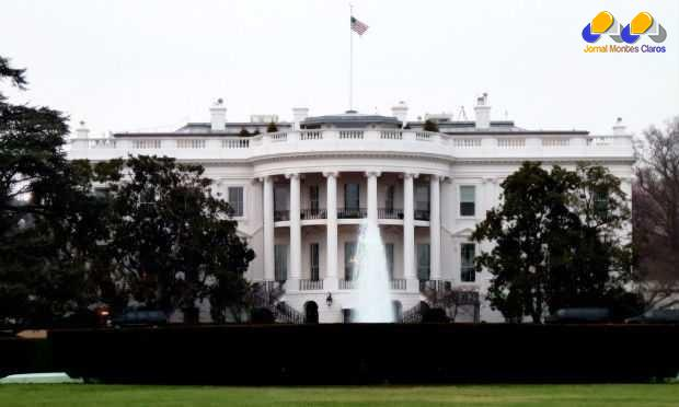 Obama não estava na residência oficial, quando drone sobrevoava o local.