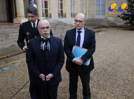 Ministro do Interior francês, Bernard Cazeneuve, em entrevista em Paris. 9/1/2015