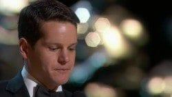 """Graham fez um dos discursos mais emocionados da noite: """"Stay weird"""". (Reprodução/TNT)."""