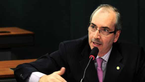 Eduardo Cunha é eleito presidente da Câmara dos Deputados. Dilma sofre derrota com Chinaglia