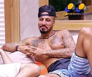 'BBB15' - Fernando diz que posaria nu por R$ 1 milhão