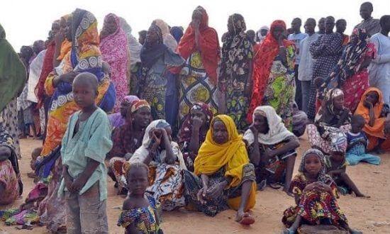 Violência praticada pelo Boko Haram, que recentemente se juntou ao Estado Islâmico e mantêm sequestradas mais de 200 meninas há quase um ano, será um dos temas que mais influenciarão o resultado das eleições
