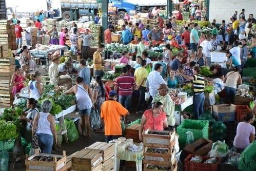 Montes Claros - Ceanorte atrai milhares de consumidores e beneficia centenas de produtores rurais