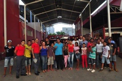Montes Claros - Corpo de Bomberios recebe visita de adolescentes do CRAS Maracanã