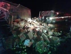 Norte de Minas - Grave acidente entre dois caminhões na serra de Francisco Sá