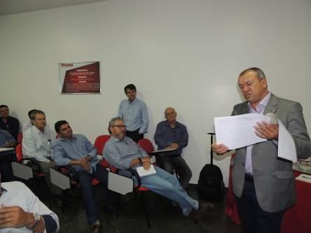 Paulo Guedes, Secretário da Sedinor, ficou impressionado com os dados apresentados e se prontificou a reverter o quadro desfavorável ao norte de Minas