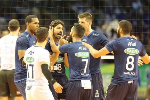 Cruzeiro faz festa: vitória sofrida na final contra Sesi