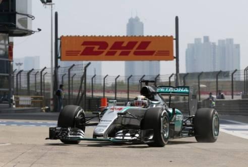 F1 - Lewis Hamilton lidera segundo treino livre do GP da China