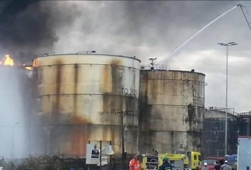 Brasil - Incêndio em Santos é apagado, mas resfriamento dos tanques continua