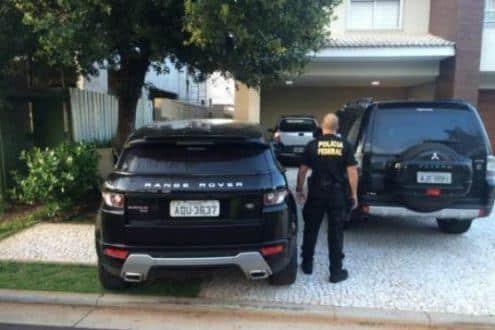 Agentes federais foram até a casa do ex-deputado André Vargas em Londrina