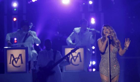 Mariah Carey retorna ao palco do Billboard depois de mais de 17 anos. Foto: Mario Anzuoni/Reprodução