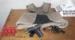 Montes Claros - PM prende suspeitos com armas, munições e colete à prova de balas em Montes Claros