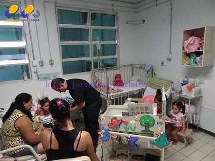 Montes Claros - Carrinhos da Cultura na Pediatria da Santa Casa