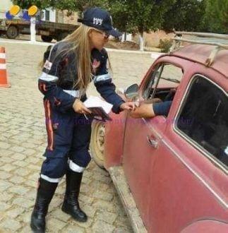 Norte de Minas - Socorristas do Samu realizam blitz educativa em Berizal e São João do Paraíso