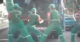 MG - Dança de garis de Governador Valadares faz sucesso na internet