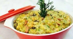 Que tal fazer Rubafava? Fava com arroz e queijo mussarela entre os ingredientes!