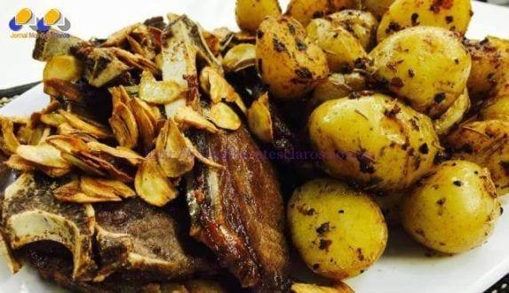 Gastronomia - Receita de Bisteca com batatas rústicas