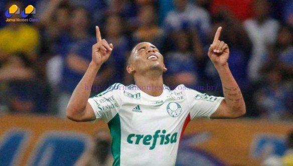 Gabriel Jesus deu assistência, cavou expulsão e fez dois gols (Foto: Thomas Santos/Agif/Gazeta Press)