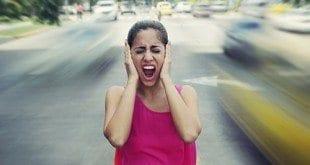 Barulho no trânsito pode causar irritação, fadiga, queda na produtividade, estresse e até problemas cardíacos