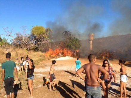 Norte de Minas - Incêndio criminoso atinge três veículos em Grão Mogol