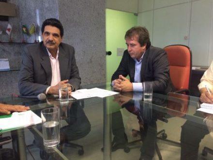 Presidente da AMAMS, César Emílio Lopes Oliveira, apresentou o pleito da região ao superintendente da Sudene, João Paulo Lima