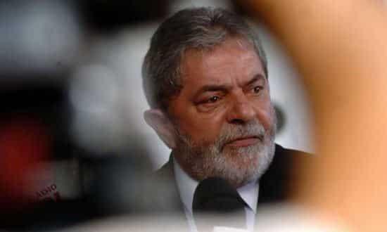 Rejeição ao presidente Lula aumentou de 33% (em maio de 2014) para 55% este ano