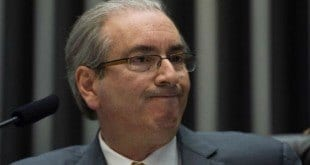 Oposicionistas pressionam Cunha para que ele acelere a abertura do processo de impeachment