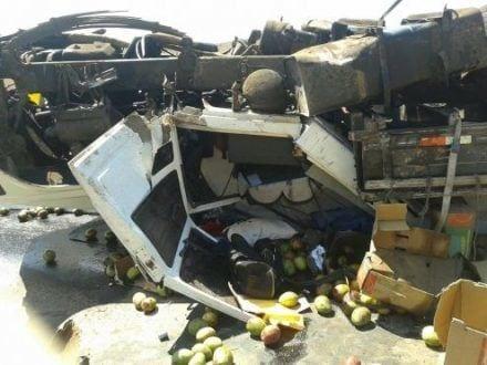 Unidades do Samu foram acionadas às 12h40 para atendimento a vítima de capotamento de caminhão na BR-251, cerca de 10 quilômetros depois de Francisco Sá, no início da serra